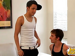 Straight guy starts to get played with a gay boy